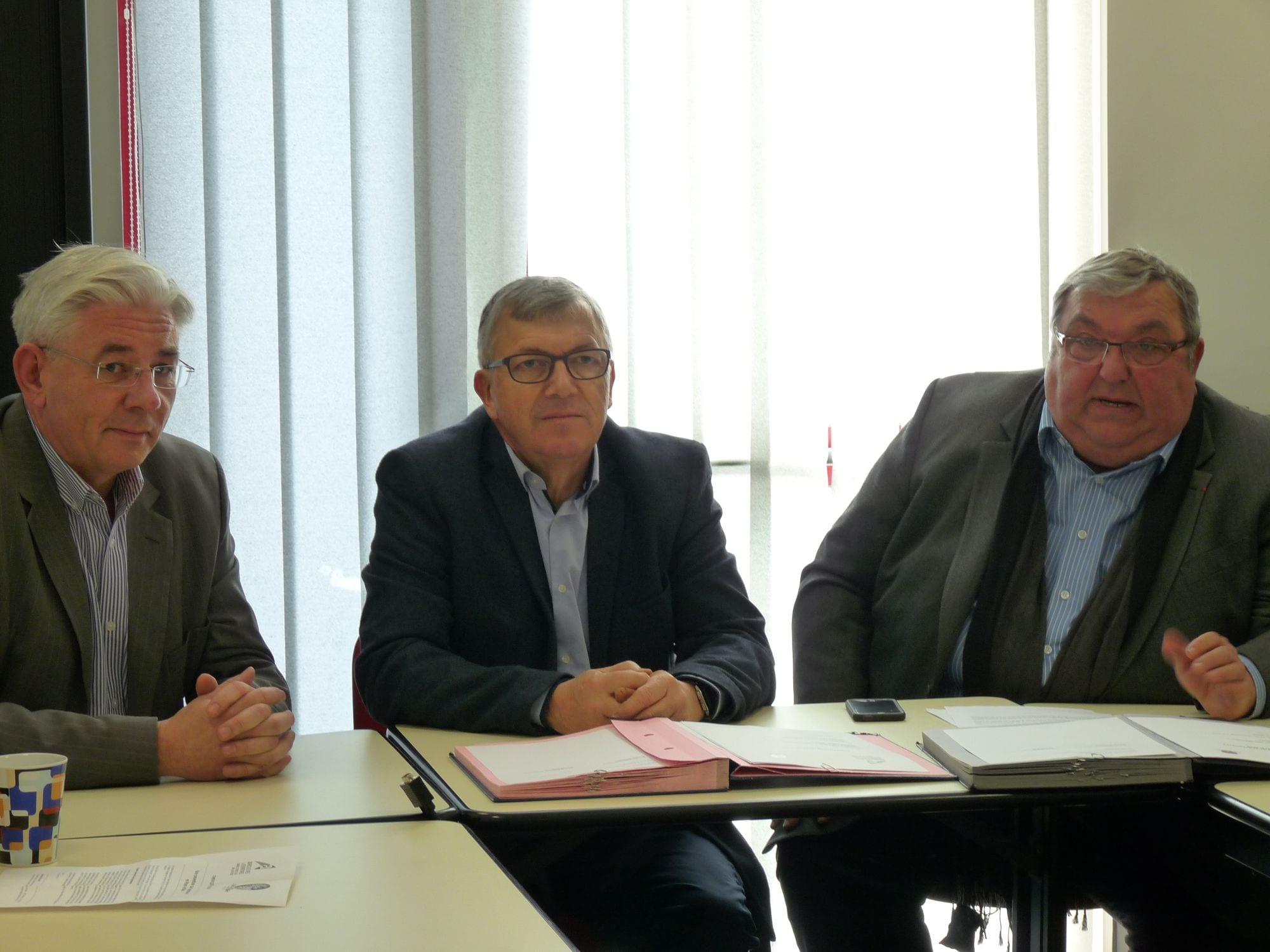 signature de la convention entre le Président du Pays de Blain et le Président de l'a Chambre d'Agriculture de Loire-Atlantique.